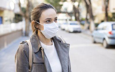 Las personas con cefalea también deben llevar mascarilla