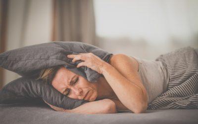 Las personas con migraña duermen menos y peor